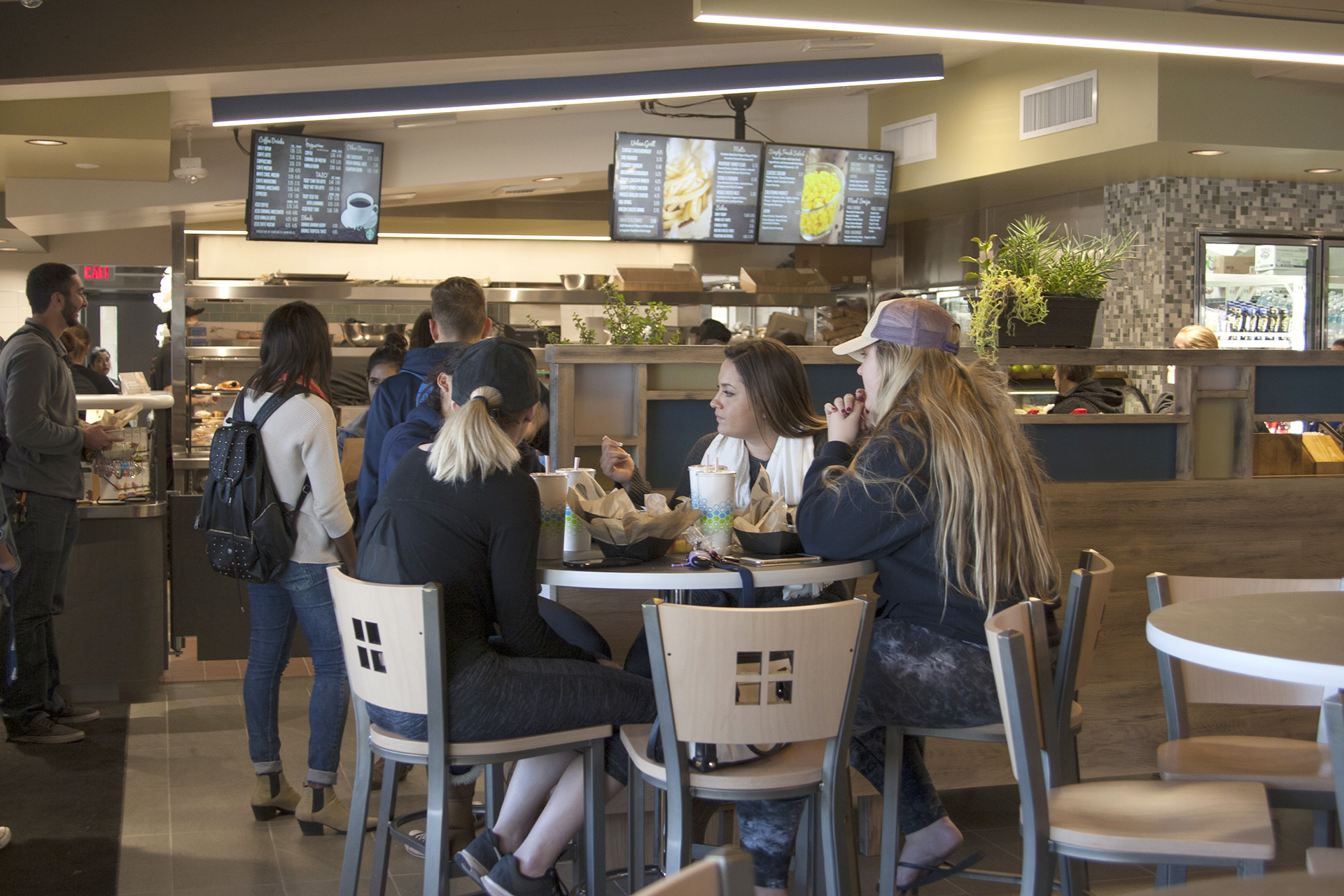 California Baptist University continues to add to its top-rated dining options, with the addition of Foodology, a modern, urban decor eatery that offers a variety of dishes.