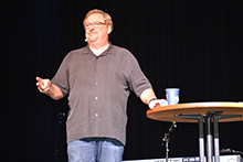 Dr. Rick Warren challenges students to find their purpose in God's love