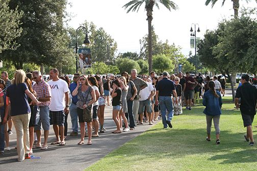 New students and their parents gather on the Front Lawn Aug. 29 as New Student Orientation begins.